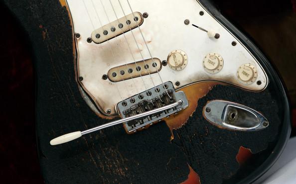 Jimi-Hendrix-First-Burnt-Guitar