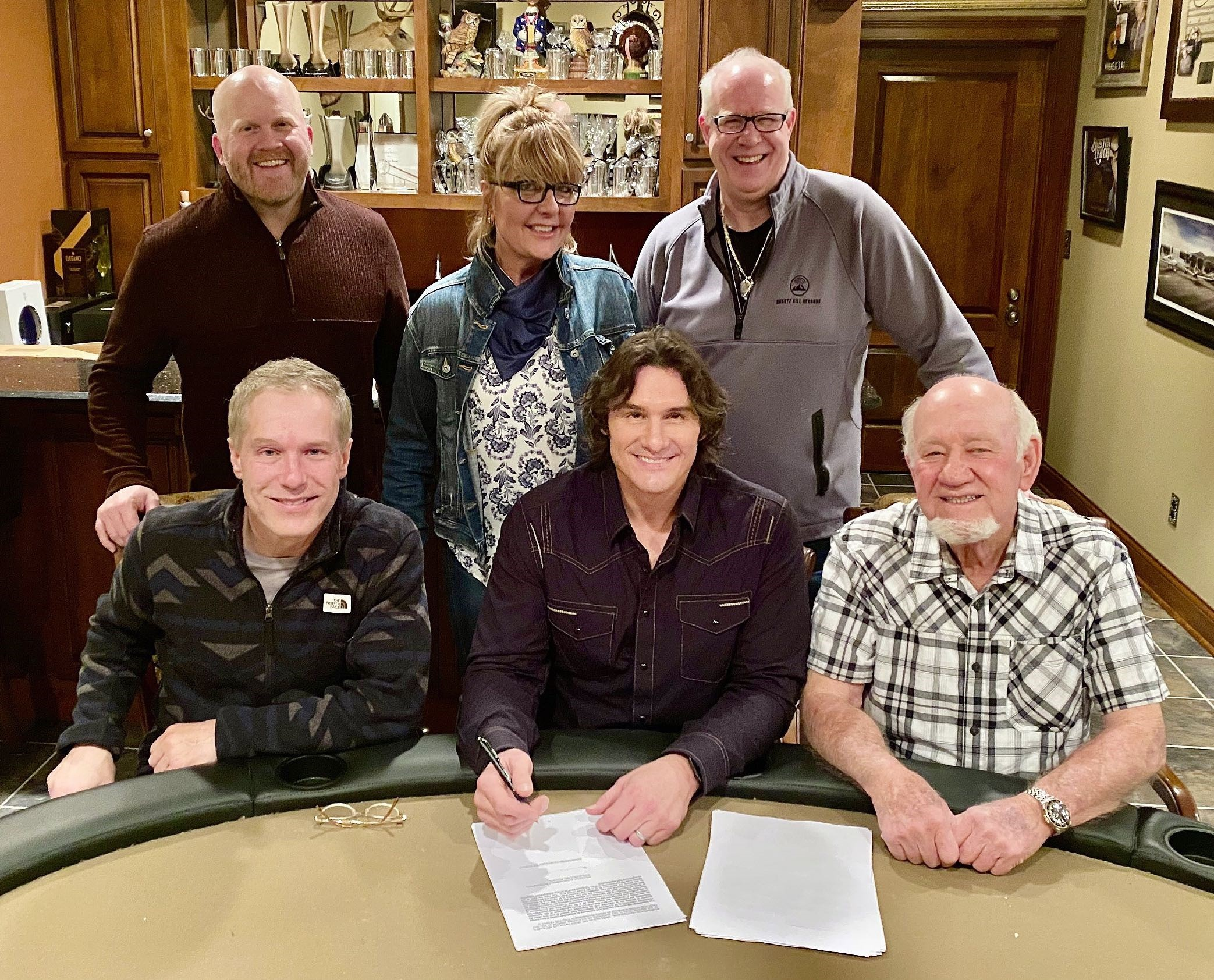 ACM & CMA-Winning Recording Artist Joe Nichols Reunites with Former Label Head Benny Brown, Signs with Quartz Hill Records