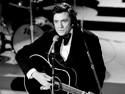 Johnny Cash performs at Grand Ole Opry House on October 15,1973