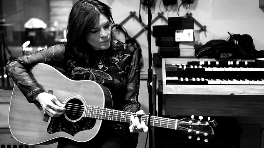 Rosanne Cash - The Walking Wounded