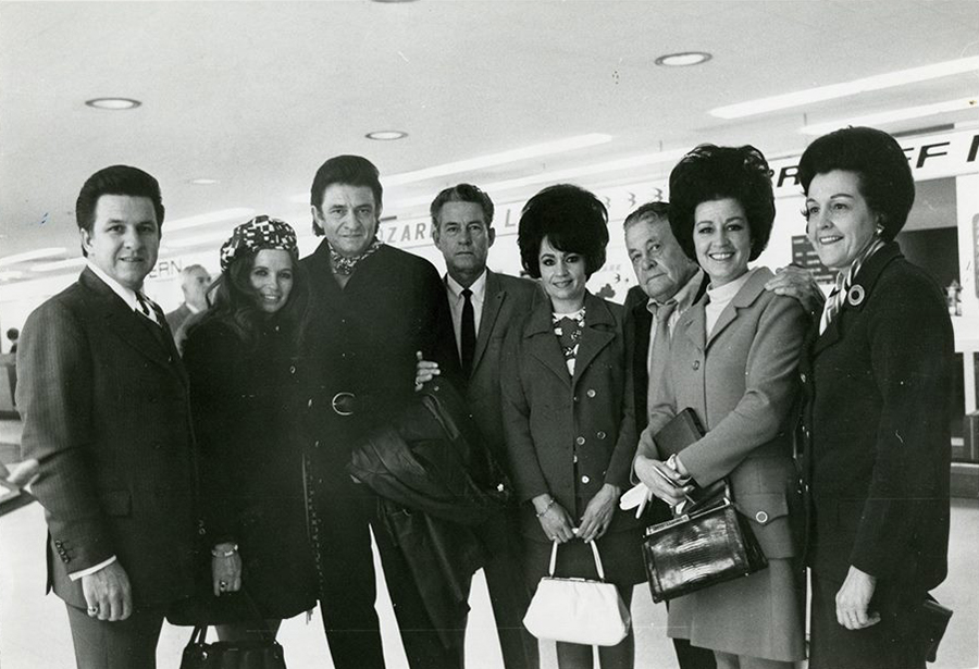 Tommy, June Carter Cash, Johnny Cash, Roy, Joanne, their father Ray, Reba and Louise