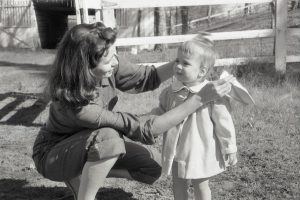 June Carter with her daughter Carlene in 1956