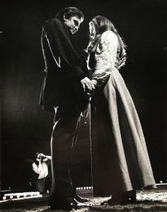 Johnny Cash proposes marriage to June Carter on stage in London, Ontario, before an audience of 7,000 people. She accepts and they are married on March 1, 1968.