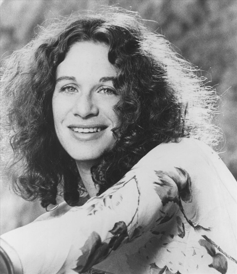 CAROLE KING HONORED AS LEGACY RECORDINGS' ARTIST OF THE MONTH FOR JANUARY 2014