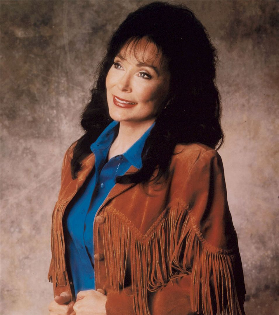 American Music Icon Loretta Lynn Signs New Multi-Album Deal with Legacy Recordings