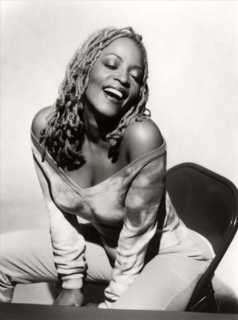Cassandra Wilson, Grammy-Winning Vocalist Signs With Legacy Recordings