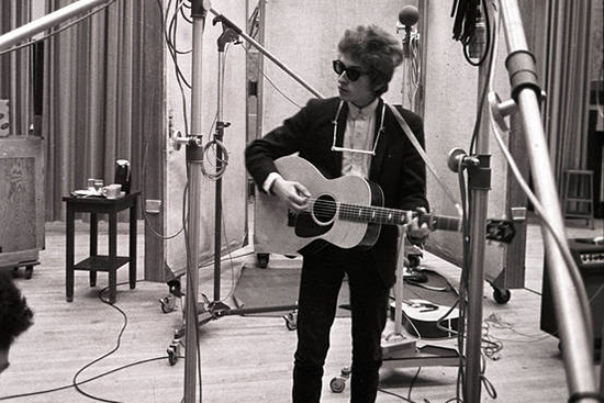 Listen To Alternate Version of Bob Dylan's 'Sitting on a Barbed Wire Fence'