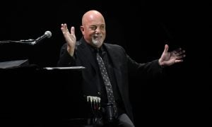billy joel at wembley 3