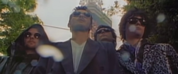 VIDEO OF THE WEEK: Manic Street Preachers – Motorcycle Emptiness