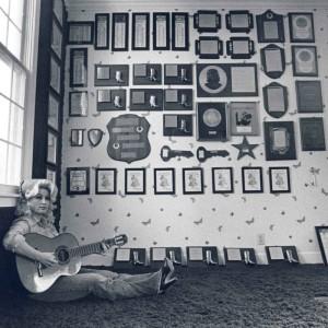 Dolly Parton (square)