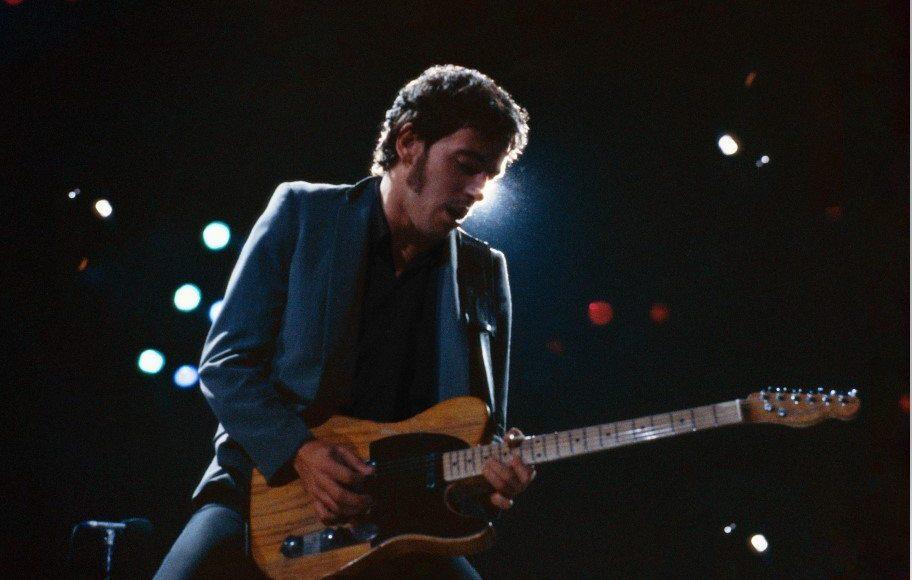 Bruce Springsteen avec une guitare