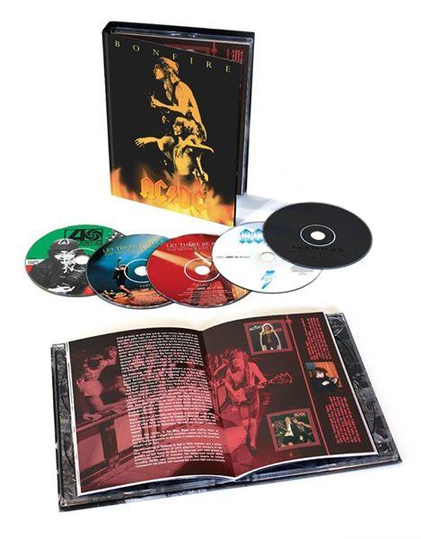 """AC/DC: il cofanetto in 5 cd """"Bonfire Box"""" dedicato a Bon Scott"""