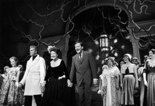 Virginia Gibson, Fernando Lamas, Ethel Merman, Gordon Polk and cast take curtain