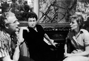 Cameron Prud'homme, Thelma Ritter and Gwen Verdon during a pause