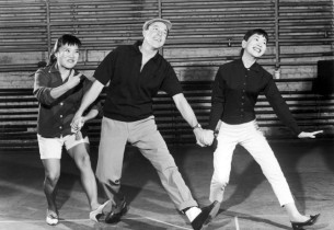 Gene Kelly rehearsing with Pat Suzuki and Miyoshi Umeki