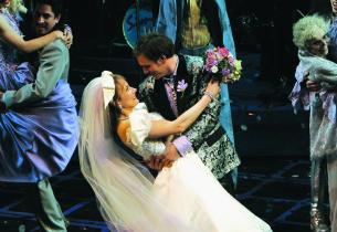 Wedding Singer cast (Photo: Joan Marcus)