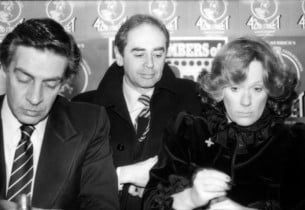 Jerry Orbach, RCA President Bob Summer, and Tammy Grimes at signing of the just