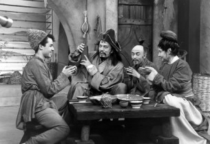 Sal Mineo, Cyril Ritchard, Howard Morris and Una Merkel having a pleasant conver