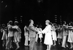 Vincent Gardenia, Dorothy Loudon and cast in ballroom