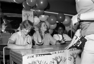 Glenn Close, Marianne Tatum, and Terri White at album signing session (photo:Don