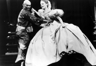 """Yul Brynner and Constance Towers (""""Shall We Dance"""") (Photo: Sydney Smith)"""