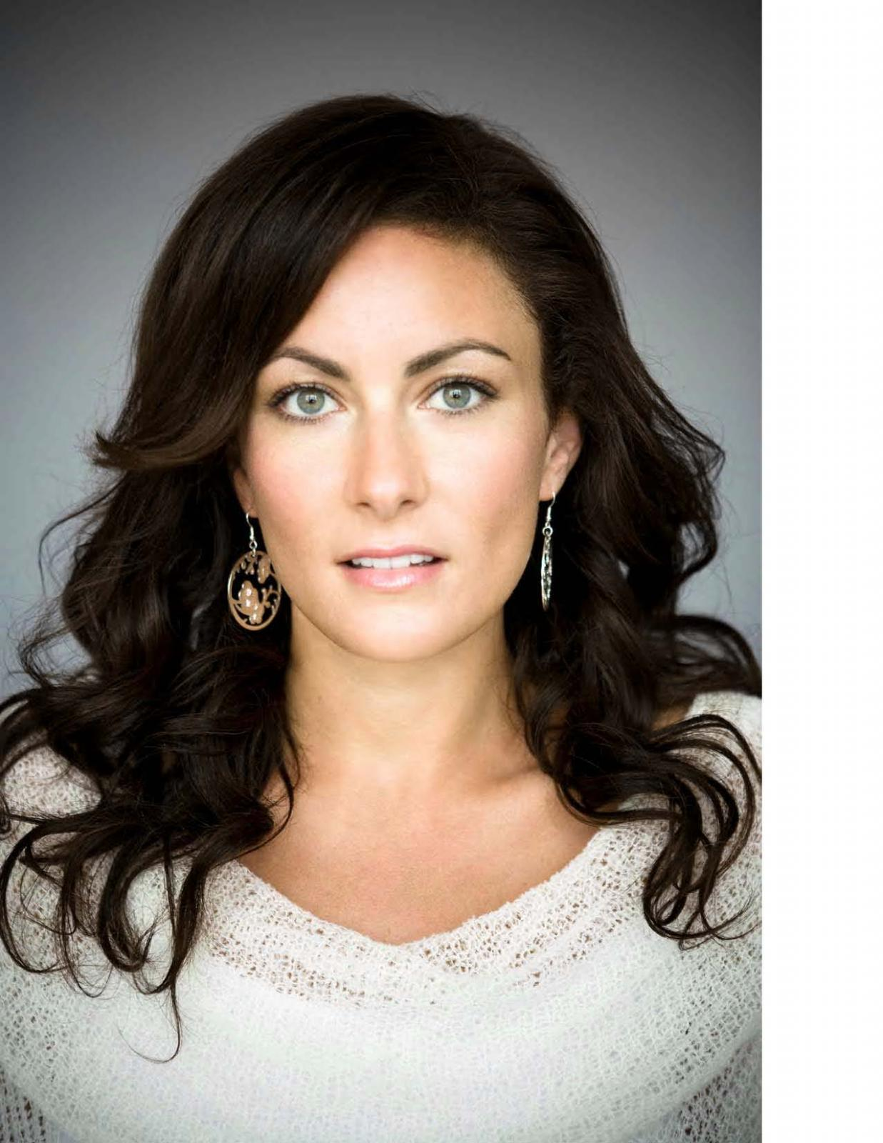 Laura Benanti The Official Masterworks Broadway Site