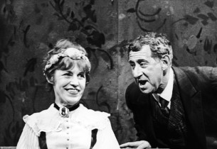 Lotte Lenya and Jack Gilford in a scene from the show. (Photo: Friedman-Abeles)