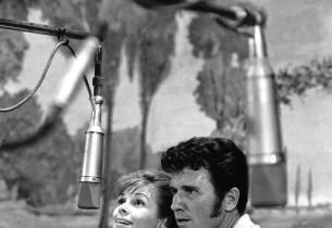 Eileen Christy and John Raitt (Photo: Henri Dauman)
