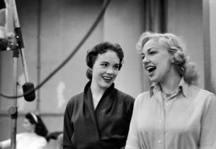 Julie Andrews and Edith Adams