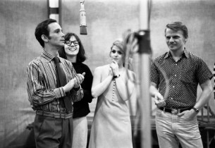 Joel Grey, Jamie Donnelly, Bernadette Peters, and Jerry Dodge (Photo:Don Hunstei