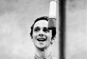 Joel Grey  (Photo: Don Hunstein)