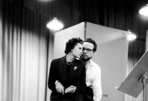 Doretta Morrow and Alfred Drake during a break (Photo: Guy Gillette)