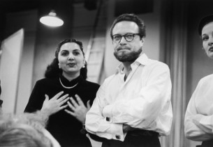 Alfred Drake with two cast members (Photo: Guy Gillette)