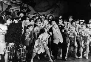 Stubby Kaye and cast in Li'l Abner (Photo: Friedman-Abeles)