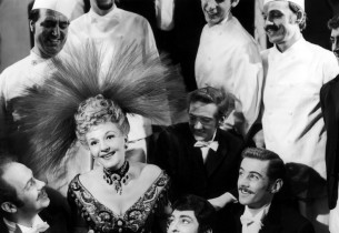 Mary Martin and cast of Hello Dolly