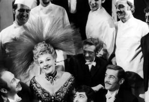 Mary Martin and cast of Hello Dolly
