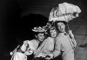 Two lovelies and a dandy…Eddie Albert