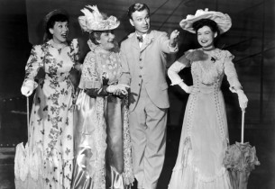 In center, Ethel Griffies and Eddie Albert