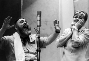 Zero Mostel, Maria Karnilova (Photo: Graphic House)