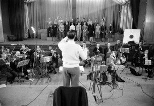 The orchestra and chorus conducted by Cyril Ornadel