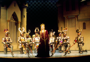 Sarah Jessica Parker and Knights in a scene from the show