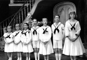 Maria (Mary Martin) and the von Trapp children.