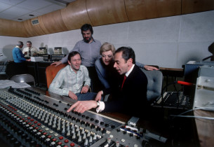 In the control room, from l. to r. Len Cariou, Stephen Sondheim, Angela Lansbury