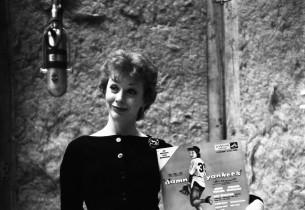 "Gwen Verdon and the ""Damn Yankees"" album jacket"