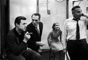 Steve Lawrence, Robert Alda, Sally Ann Howes, and record producer Goddard Lieber