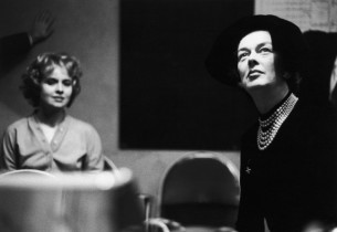 Jacquelyn McKeever and Rosalind Russell listening to a playback(Photo: L. Lauten