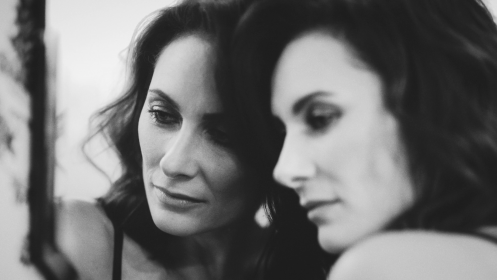 """LAURA BENANTI UNVEILS SULTRY NEW MUSIC VIDEO FOR """"GO SLOW"""""""
