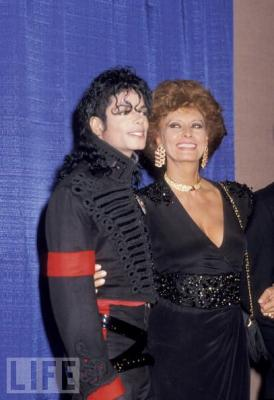 Friendly Friday: Michael Jackson and Sophia Loren