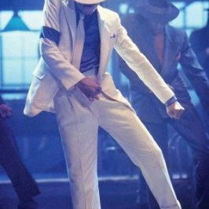 Smooth-Criminal-michael-jackson-7879109-1463-2200