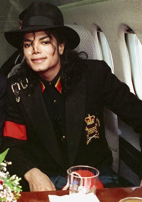 Michael Jackson on airplane